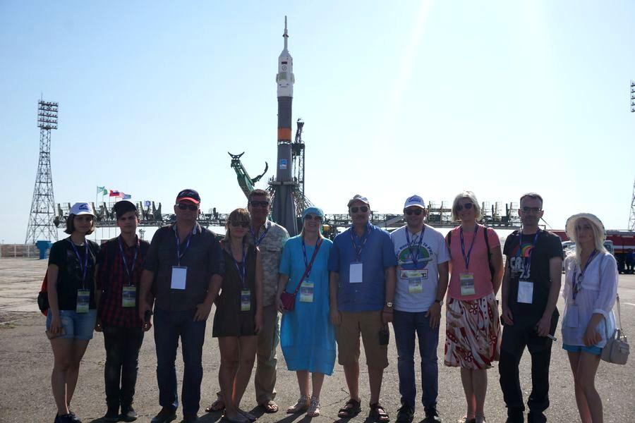 Наши туристы на установке РКН