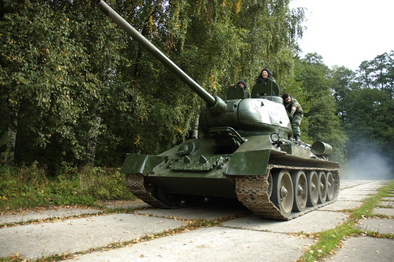 Катание на настоящем танке