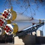 Памятник космический корабль Союз на Байконуре